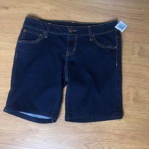 Celebrity Pink Denim Bermuda Shorts Size 5 New